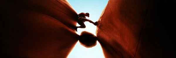 127_hours_movie_poster_large_slice_01