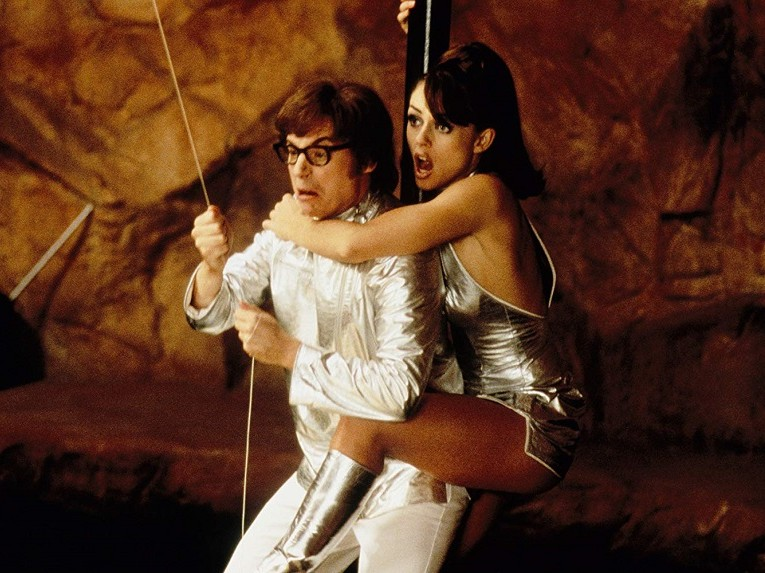 austin-powers-mike-myers-elizabeth-hurley