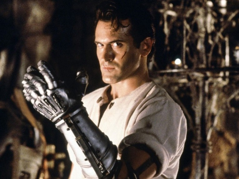 army-of-darkness-bruce-campbell-glove