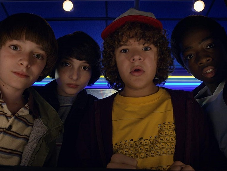 stranger-things-four-boys-stand-by-me