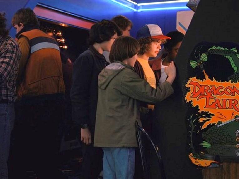 stranger-things-kids-arcade