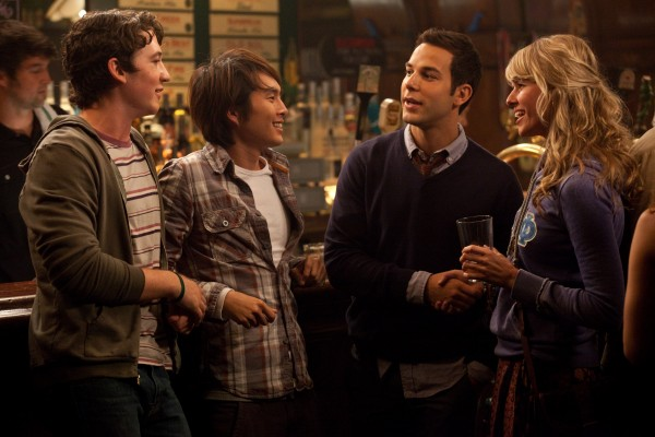 21-and-over-sarah-wright-miles-teller-skylar-astin