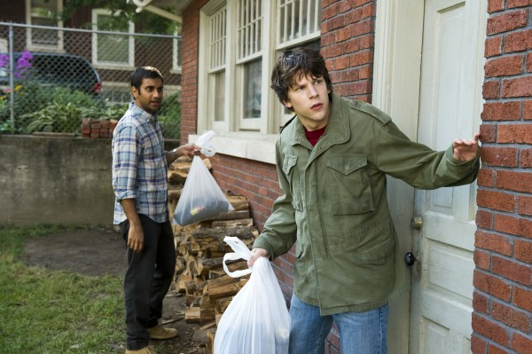 30-minutes-or-less-movie-image-jesse-eisenberg-aziz-ansari-02