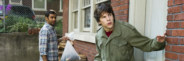 30-minutes-or-less-movie-image-jesse-eisenberg-aziz-ansari-slice-02