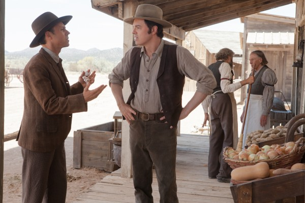 a-million-ways-to-die-in-the-west-seth-macfarlane-giovanni-ribisi