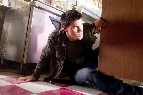 abduction-movie-image-taylor-lautner-01