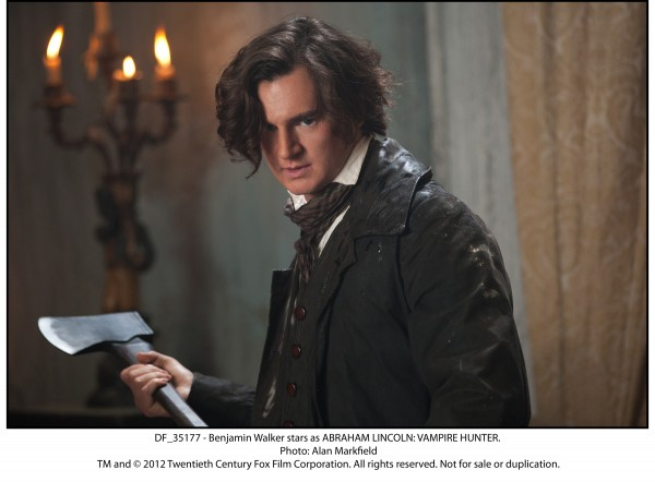 abraham-lincoln-vampire-hunter-benjamin-walker-closeup