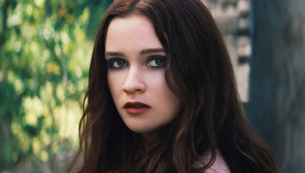 alice-englert-beautiful-creatures-headshot