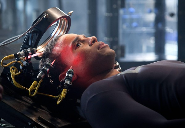 almost-human-michael-ealy-2