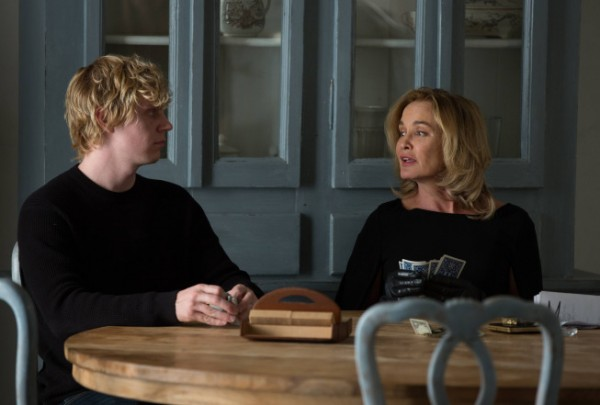 american-horror-story-coven-evan-peters-jessica-lange