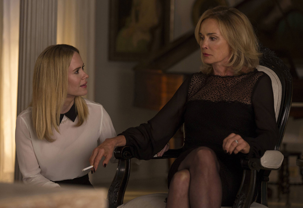 american-horror-story-coven-sarah-paulson-jessica-lange