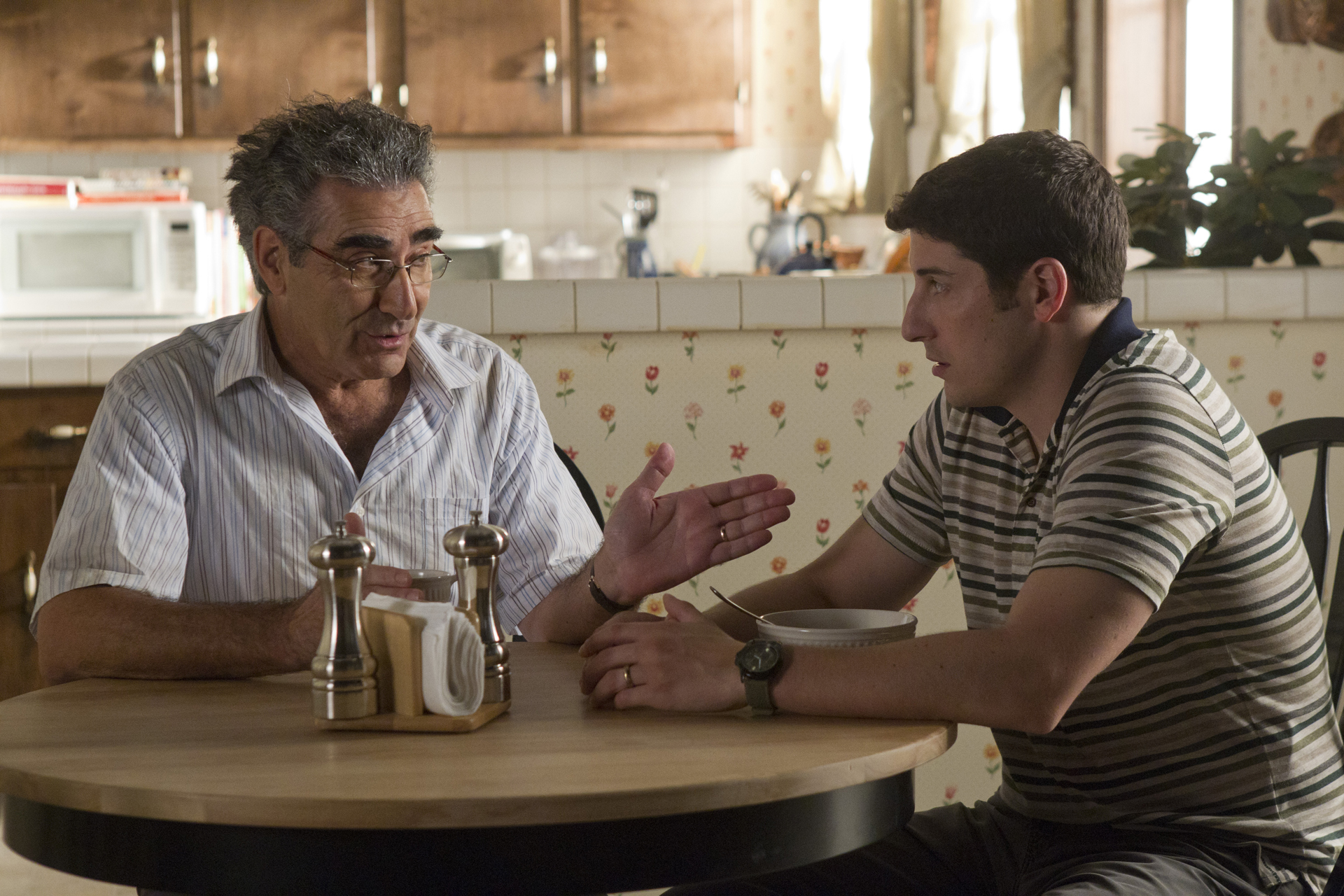 http://collider.com/wp-content/uploads/american-reunion-movie-image-eugene-levy-jason-biggs-01.jpg
