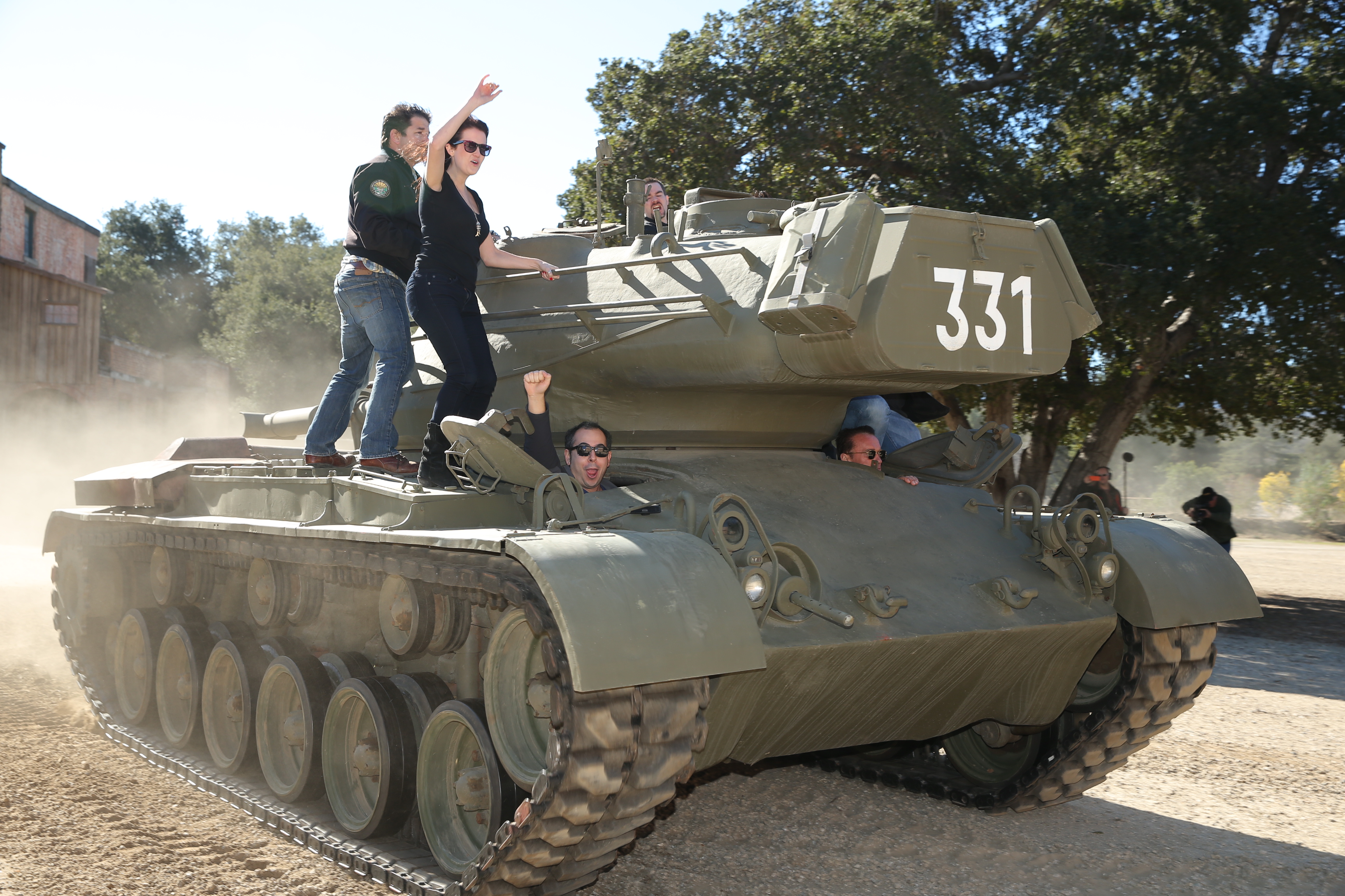 Arnold Schwarzenegger paid $20,000 to ship his old tank to ...