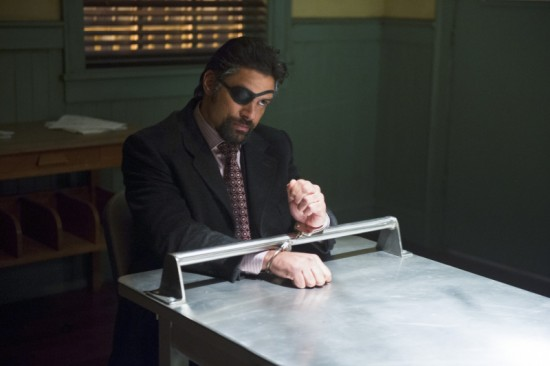 arrow-season-2-episode-18-deathstroke-manu-bennett