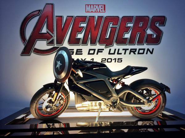 avengers-age-of-ultron-black-widow-bike
