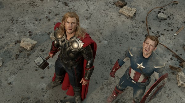 avengers-movie-image-chris-hemsworth-chris-evans-01
