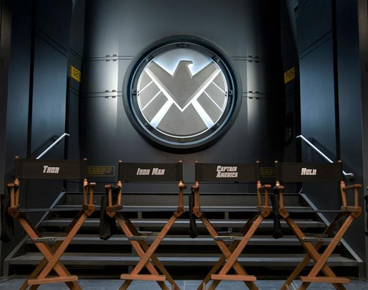 http://collider.com/wp-content/uploads/avengers-movie-image-set-photo-01.jpg