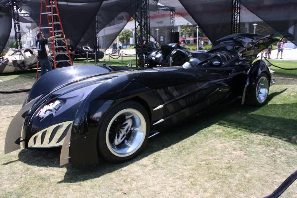 batman-and-robin-batmobile