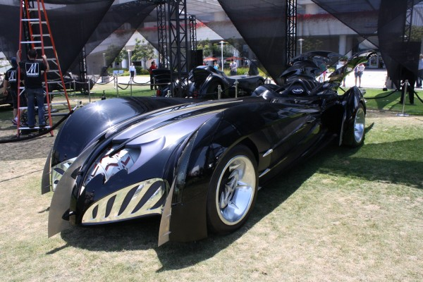 batman-and-robin-batmobile-george-clooney