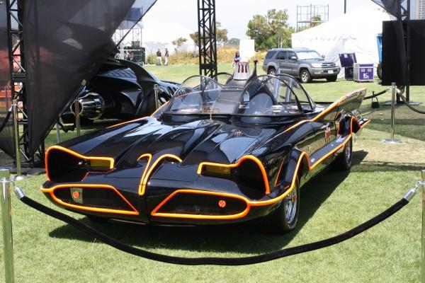 batman-batmobile-adam-west