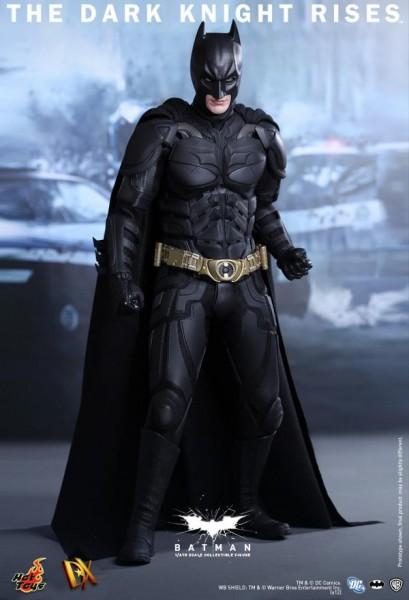 batman-dark-knight-rises-hot-toys-figure-2