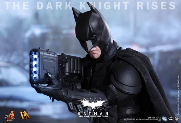 batman-dark-knight-rises-hot-toys-figure-4