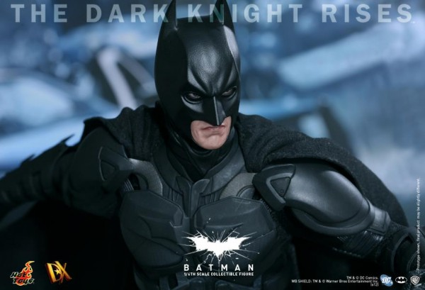 batman-dark-knight-rises-hot-toys-figure-5
