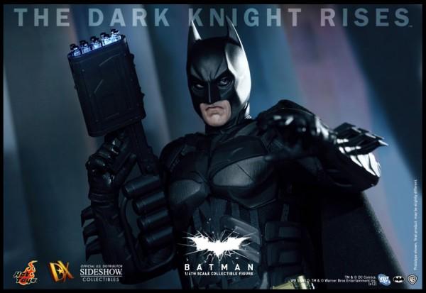 batman-dark-knight-rises-hot-toys-figure-image (4)