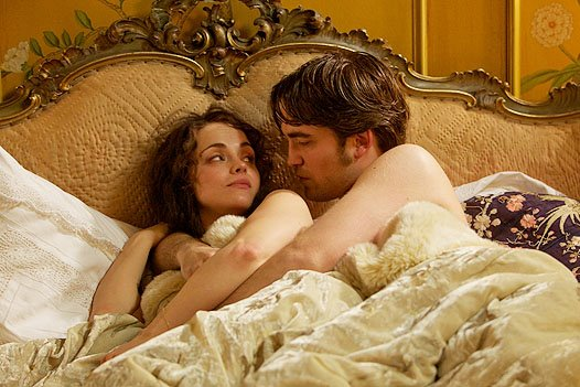 bel-ami-movie-image-robert-pattinson-1
