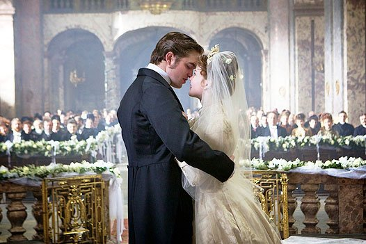bel-ami-movie-image-robert-pattinson-3