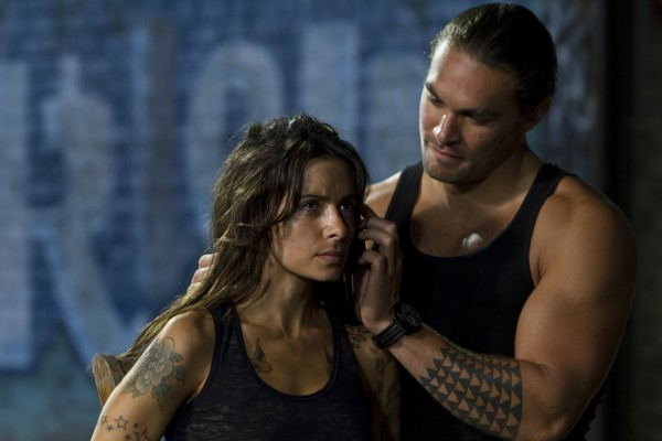 bullet-to-the-head-sarah-shahi-jason-momoa