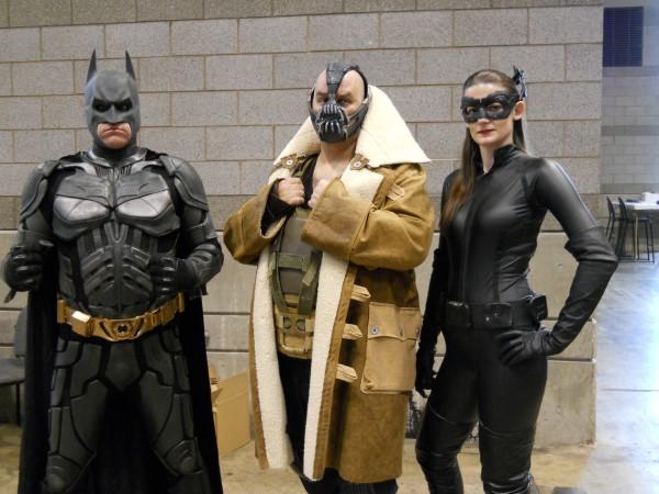 c2e2-2013-batman-bane-catwoman-image