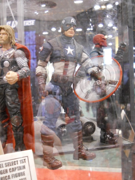 c2e2-captain-america-the-first-avenger-toy-image