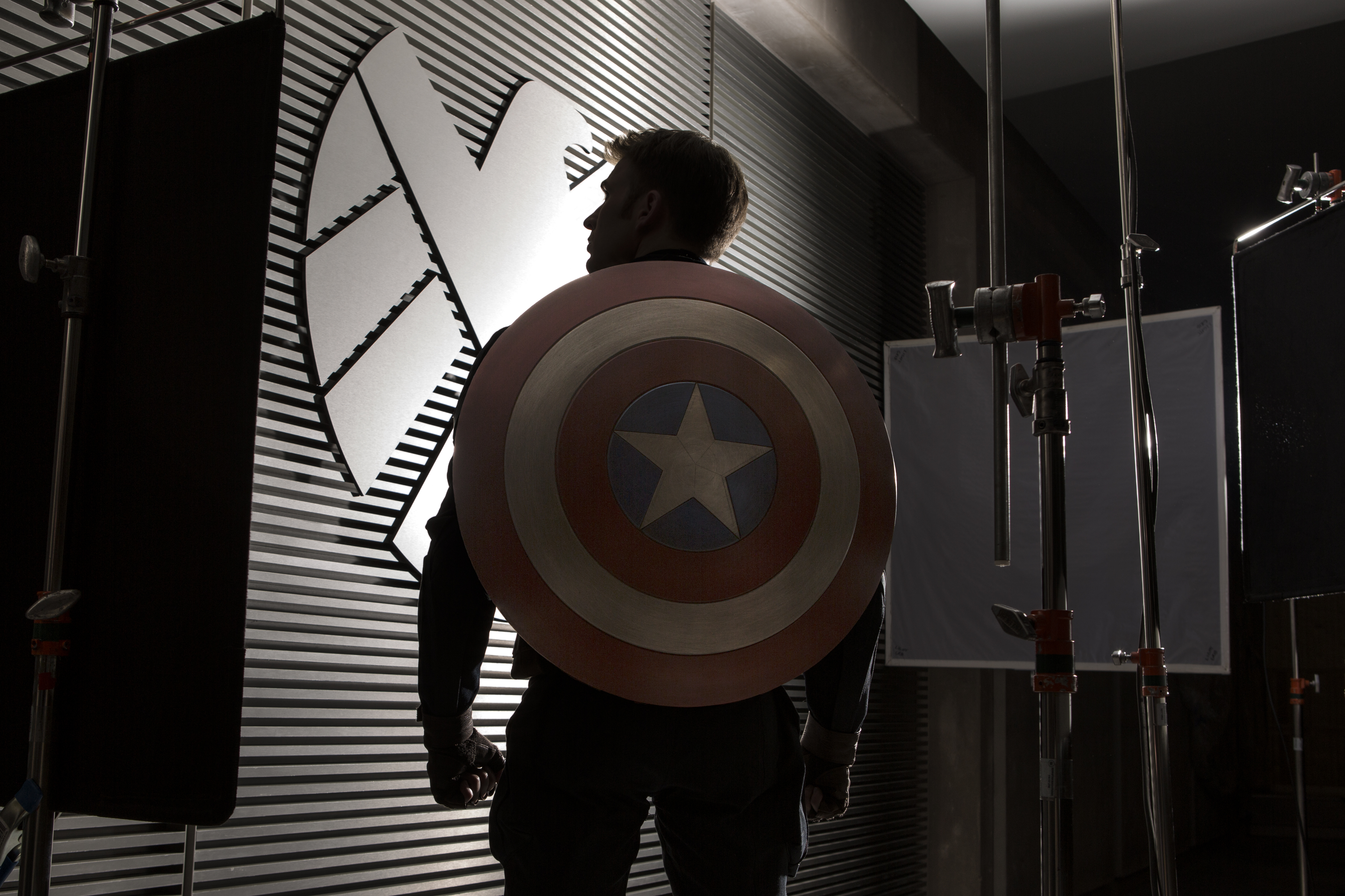 http://collider.com/wp-content/uploads/captain-america-2-winter-soldier-chris-evans.jpg