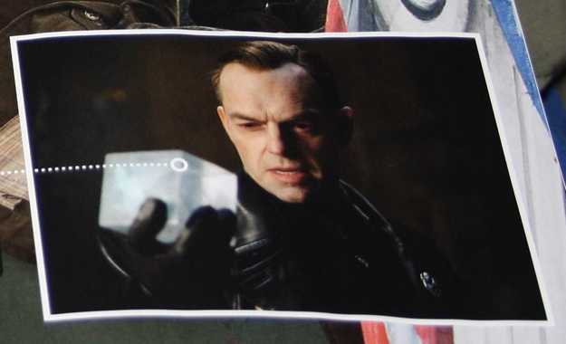 http://collider.com/wp-content/uploads/captain-america-the-first-avenger-movie-image-cosmic-cube-01.jpg