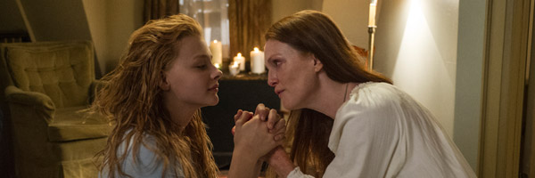 carrie-chloe-moretz-julianne-moore-slice