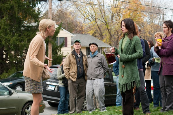 charlize-theron-elizabeth-reaser-young-adult-movie-image