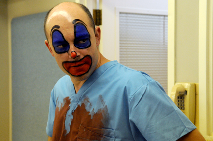 childrens-hospital-tv-show-image-rob-corddry-02