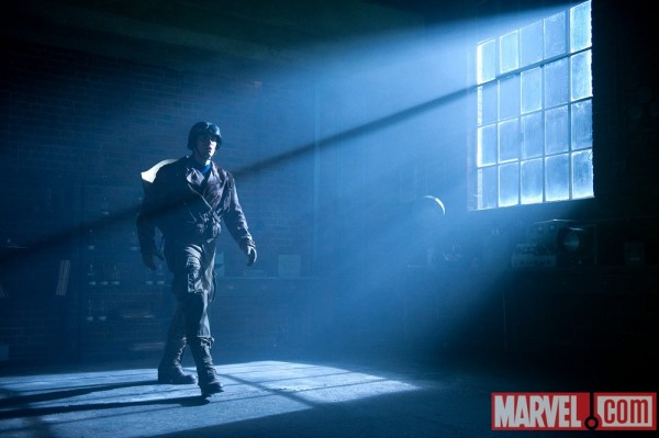 chris-evans-captain-america-movie-image-2