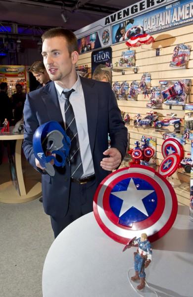chris-evans-captain-america-movie-toy