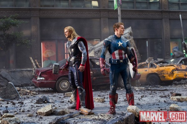 chris-hemsworth-chris-evans-the-avengers-image-2