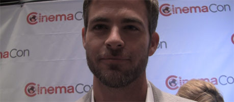 chris-pine-star-trek-2-into-darkness-interview-slice