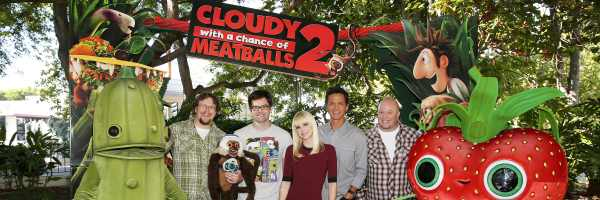 cloudy-with-a-chance-of-meatballs-2-directors-cast-slice