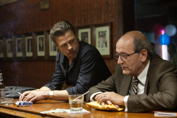 killing-them-softly-movie-image-brad-pitt-richard-jenkins