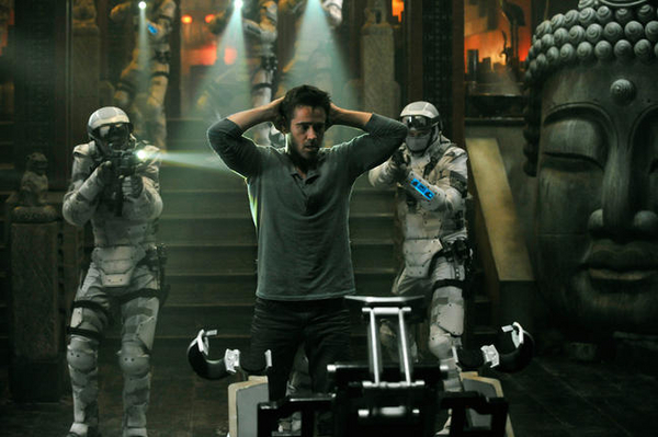 colin-farrell-total-recall-remake-movie-image-1