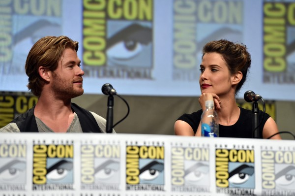comic-con-chris-hemsworth-cobie-smulders