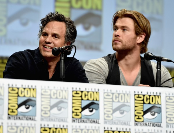 comic-con-mark-ruffalo-chris-hemsworth-avengers-age-of-ultron