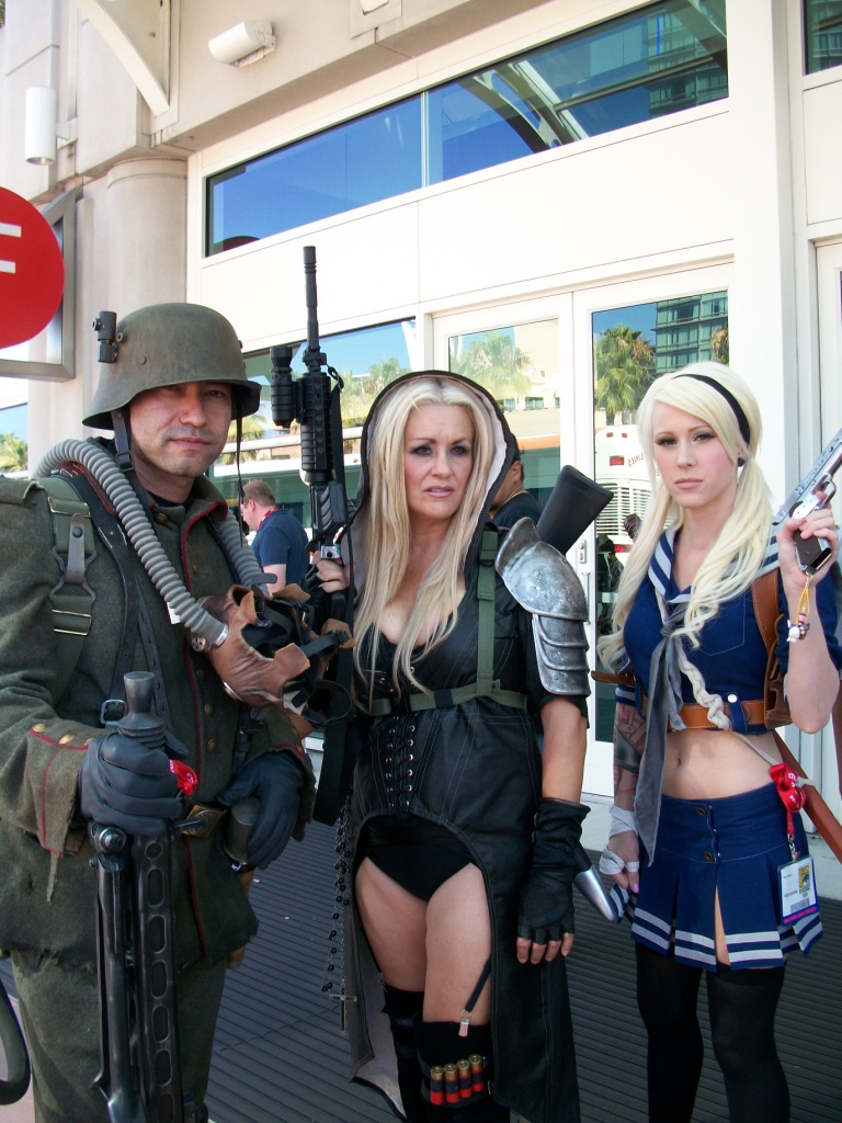 http://collider.com/wp-content/uploads/cosplay-comic-con-picture-171.jpg