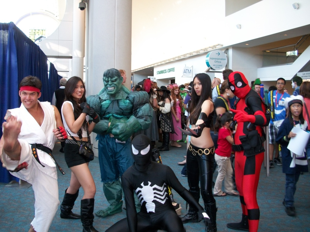 http://collider.com/wp-content/uploads/cosplay-comic-con-picture-71.jpg