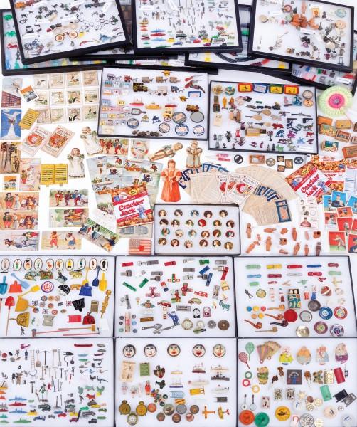 vintage-toys-cracker-jack-prizes